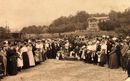 Grundsteinlegung für das Fröbelhaus 1900