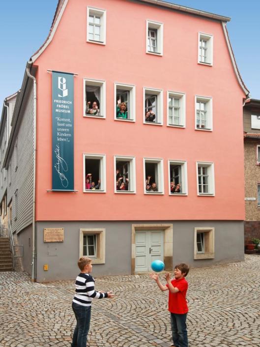 """house above the cellar"" (""Haus über dem Keller""), exterior view, 2011"